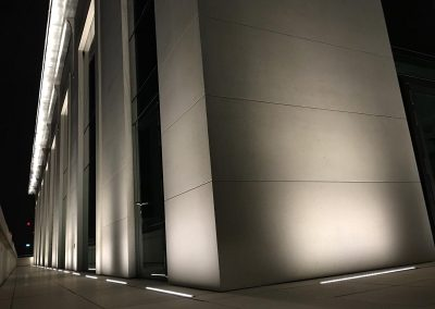 3-pancras-square-external-lights-4